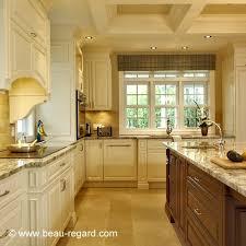deco cuisine classique armoires de cuisine classique merisier 2 idée de décoration beau