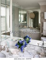 Mirrored Wall Panels Mirrored Wall Stock Photos U0026 Mirrored Wall Stock Images Alamy