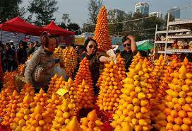 Fruit Decoration For New Year by Chinese New Year Celebrations Around The World In Photos