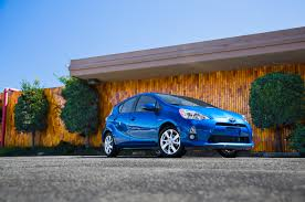 2014 toyota prius msrp 2014 toyota prius reviews and rating motor trend