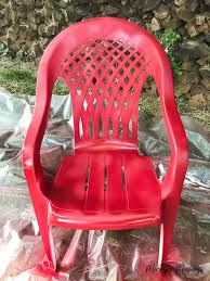 Paint For Outdoor Plastic Furniture by How To Spray Paint Plastic Chairs An Easy Makeover Marty U0027s Musings