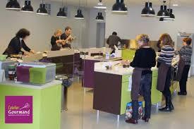 cours de cuisine mantes la cours de cuisine l atelier gourmand s ouvre à la franchise