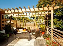 pergola balkon brise vue balcon 50 exemples fascinants en bois et bambou 50