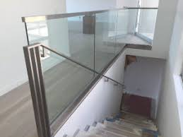 china customized aluminum u base channel glass balcony railing