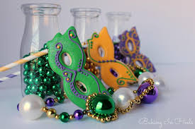 mardi gras mask decorating ideas mardi gras mask cookie pops cookie connection cookies