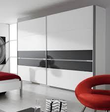 armoire de chambre design armoire design 2 portes coulissantes coloris blanc gris honco