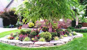 wonderful landscaping ideas for front yard ranch house with green