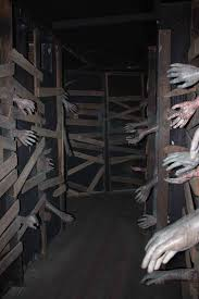 haunted house decorations 129 world s insanest scary haunted house ideas