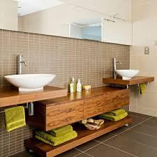 holzmöbel badezimmer waschtisch aus holz für mehr gemütlichkeit im bad archzine net