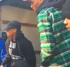 Chris Brown faz boa ação e distribui perus em Nova York | Folha ...