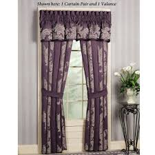 Curtain Ideas For Bathroom Windows What A Great Idea Someone Has Not Only Draped A Scarf Valance Over