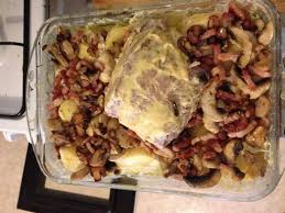 comment cuisiner roti de porc rôti de porc aux chignons et petits lardons recette de rôti de