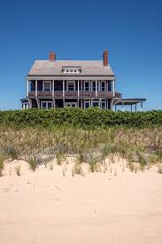 a shingle style beach u0027cottage u0027 in the hamptons a seven bedroom