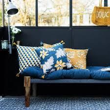 canapé coussins relooker coin canapé avec des coussins tendance