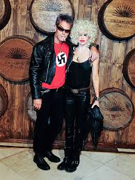 halloween lisa rinna harry hamlin apologize for swastika sid