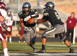 Flag Football Tips Taking A Handoff In Football Quarterback Rb Exchange Youth