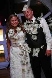 wedding gift dollar amount 2017 best 25 money ideas on honeymoon fund wedding