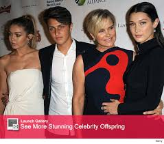 how did yolonda foster contract lyme desease yolanda foster hits red carpet with model kids reveals bella
