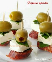 site canape great appetizer salami pepperoni cheese olive canapes