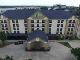 Homes For Sale In Houston Texas 77056 Holiday Inn Express And Suites Houston 4006592999 4x3