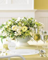 Cheapest Flowers For Centerpieces by Flowers On A Budget
