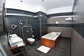 hotel baignoire dans la chambre hotel avec