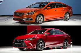toyota camry hybrid vs hyundai sonata hybrid totd refreshed 2015 toyota camry or hyundai sonata motor trend wot