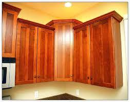 Crown Moulding For Kitchen Cabinets Installing Crown Molding On Kitchen Cabinets To Ceiling Install