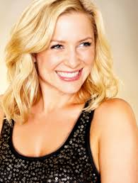 does kate capshaw have naturally curly hair jessica capshaw not sure if i want to be or be with her character