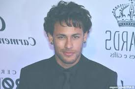 what is the best hairstyle for a 62 year old female with very fine grey hair neymar new hairstyle 41a87d4100000578 0 image a 62 1498213944215