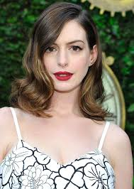 hairstyles for giving birth anne hathaway looks gorgeous at first red carpet event since