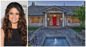 Celebrity Homes Decor Selena Gomez U0027s House Has 8 Bathrooms And It U0027s For Sale Elle