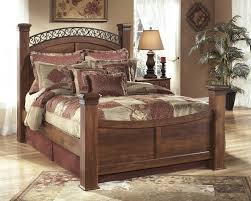 king poster bedroom set warm brown b258 4 pc queen poster bedroom set
