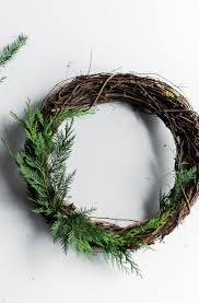 Holiday Wreath Floral Tutorial A Winter Woodland Holiday Wreath Coco Kelley