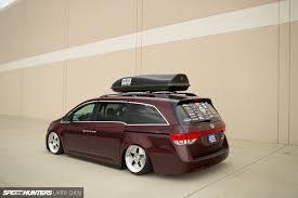 1000hp minivan instead if that hp number is actually accurate honda odyssey minivan van rod rods tuning lowrider 1000hp h