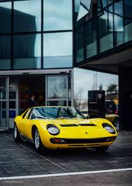 lamborghini miura what it u0027s like to drive a lamborghini miura on rural italian roads