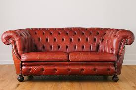 un canapé comment nettoyer un canapé en cuir