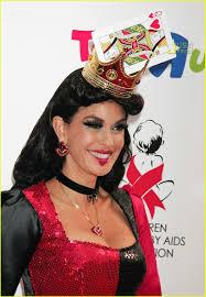 teri hatcher is the queen of hearts photo 693941 celebrity