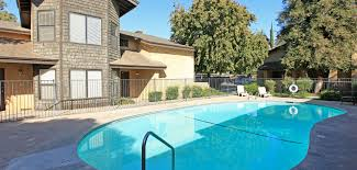 laurelwood oaks apartment homes in bakersfield ca