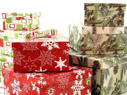 gift basket wrapping paper inexpensive gift baskets that look expensive