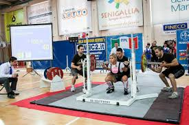 Training For Bench Press Competition 10 Essential Tips To Prepare For Your First Powerlifting Meet