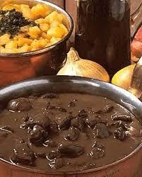 cuisiner des rognons de boeuf rognons de boeuf au bordeaux pour 4 personnes recettes à table