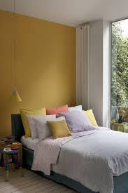 chambre jaune et bleu chambre jaune moutarde