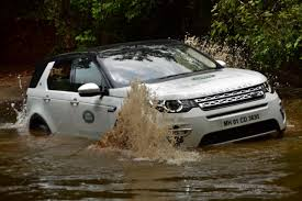 land rover discovery off road off roading with land rover discovery sport the gadgetwala