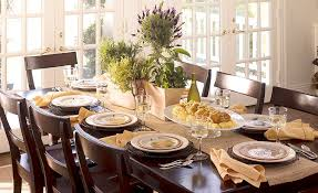 thanksgiving decoration idea for dining table using small