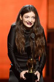 should lorde have straight or curly hair women hairstyles