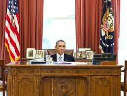 Oval Office Desk Obama Still Hasn T Figured Out How To Adjust Height Of Oval Office