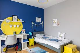 chambre de garçon bleue et jaune contemporain chambre d enfant