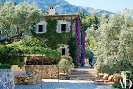 see how this retreat in majorca spain was dramatically