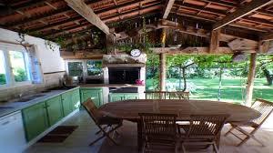 cuisine d exterieure villa avec cuisine d été terrasse piscine privative barbecue